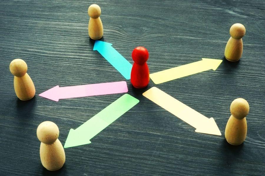 faut-il externaliser votre communication sur les réseaux sociaux ?